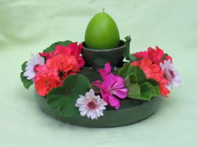 Blumenring mit einer Schale